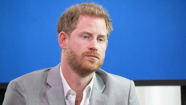 Принц Гарри заявил, что отец заставил пройти его через «боль и страдания»