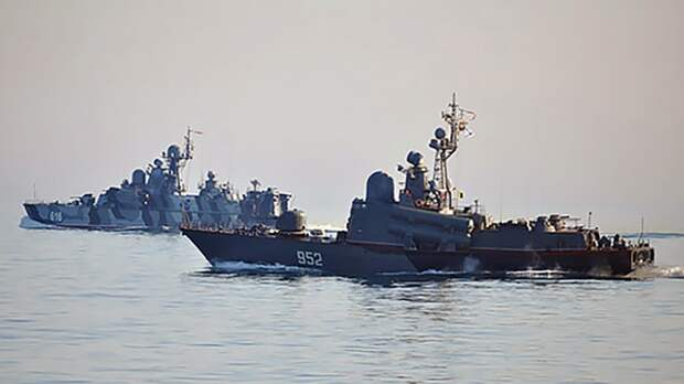 Кнутов объяснил, как РФ может заблокировать кораблям США вход в Черное море