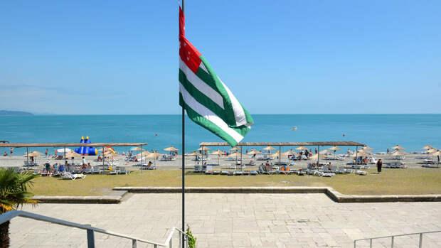 Россияне смогут посещать Абхазию без теста на COVID-19