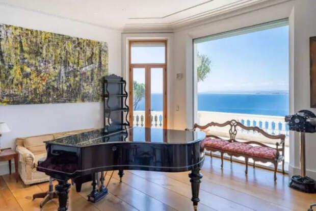 Вилла Шона Коннери во Французской Ривьере продаётся за 34 миллиона долларов