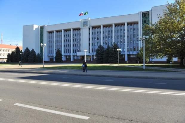 Мурат Кумпилов и Константин Цицин обсудили вопросы реформирования ЖКХ в Адыгее