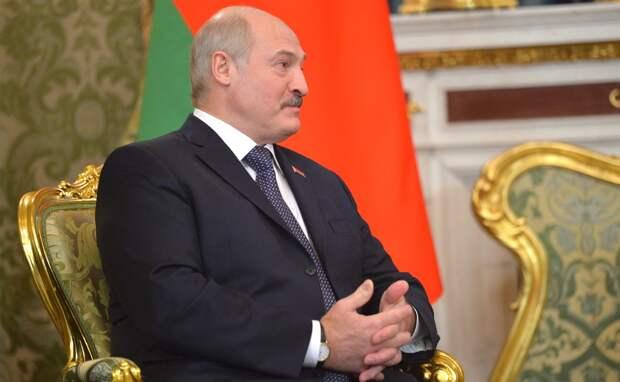 Выборы близко: как Лукашенко демонстративно отдаляется от России