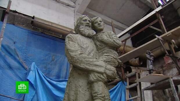 Скульпторы из Москвы и Петербурга создают сразу два памятника Григорию Распутину