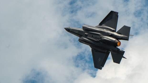 В Китае рассказали о неудачной попытке итальянца на F-35 перехватить российский Ан-12