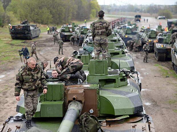 СМИ: НАТО скрытно развернули наступательные силы рядом с границами РФ