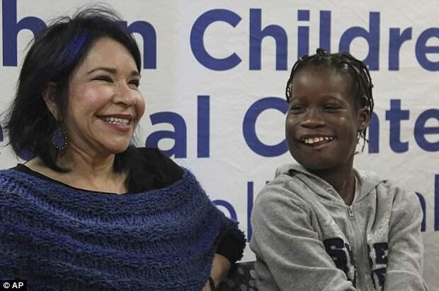 Сотрудница благотворительного фонда медицинской помощи детям Элисса Монтанти, которая организовала поездку Джанет на лечение в США врачи, операция, опухоль