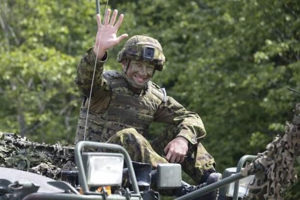 Литовские военные расстреляли наблюдателей НАТО