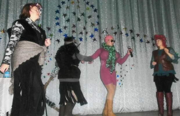 Танцы и конкурсы один интереснее другого весело, деревня, интересно, новый год, село, юмор