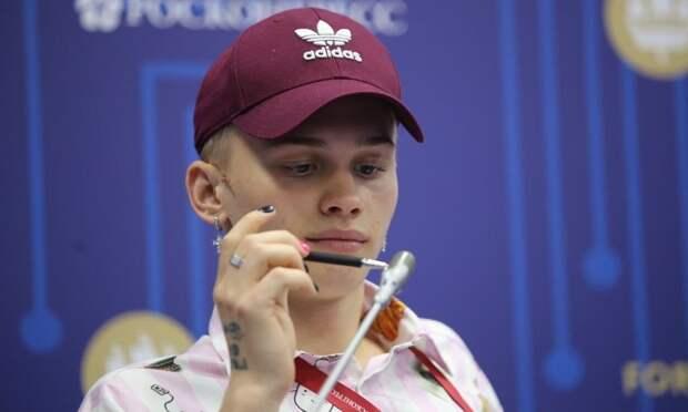Тик-токер против всех: как Даня Милохин на ПМЭФ выступил
