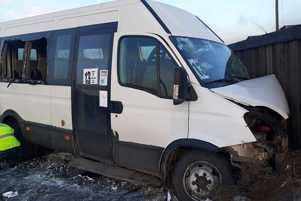 Более 10 детей пострадали в ДТП с маршруткой в Кызыле