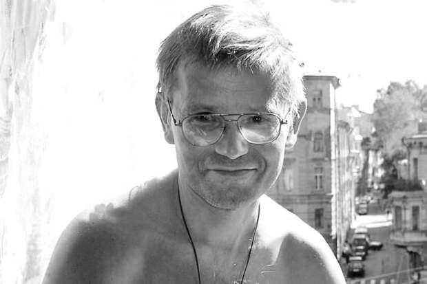 Умер гитарист группы «Зоопарк» Александр Храбунов