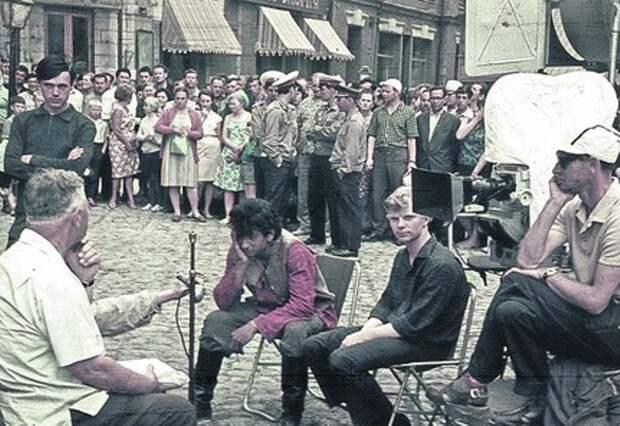 На съемках фильма * Неуловимые мстители*, 1966 | Фото: liveinternet.ru
