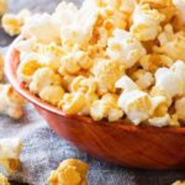 Попкорн на сковороде с солью из обычной кукурузы за 5 минут