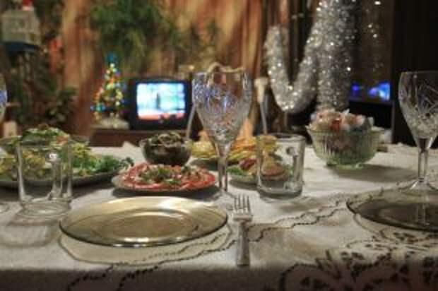 Под бой курантов. Как сделать новогодний стол праздничным и здоровым