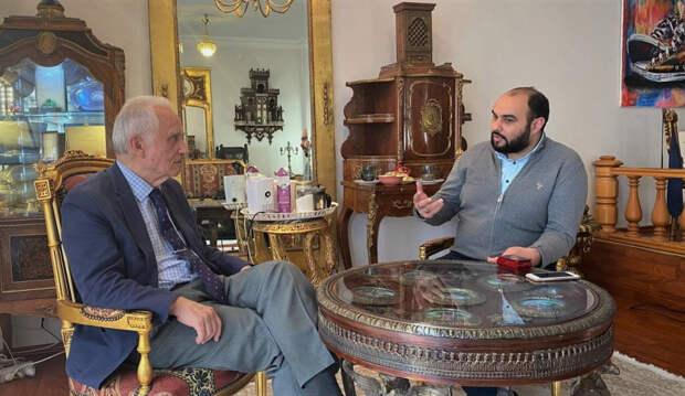 Яшар Якыш и корреспондент ПЭ Хаял Муаззин