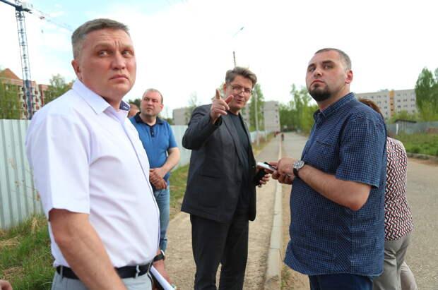 Глава Ижевска осмотрел проблемные точки в микрорайоне СХВ