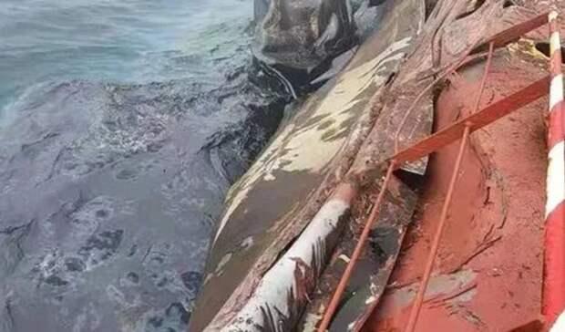 400 тонн нефтепродуктов вылилось вЖелтое море после столкновение балкера итанкера