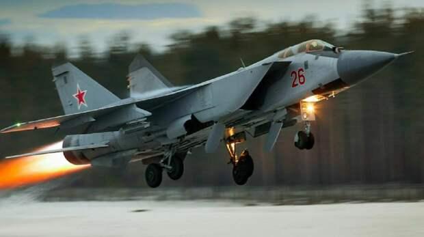 Российский МиГ-31 перехватил самолёт-разведчик США над Тихим океаном