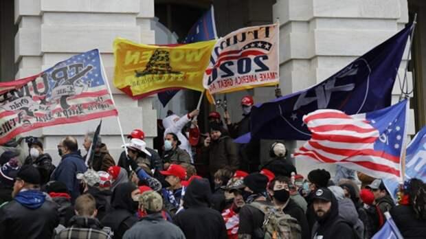 Правящая группировка в США переходит к террористическому управлению тогда, когда больше не может удерживать власть при помощи механизмов демократического государства.