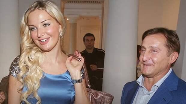 Певица Мария Максакова хочет лишить бывшего мужа родительских прав