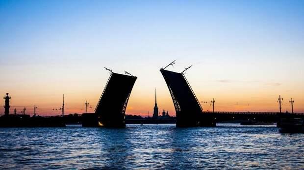 Дворцовый мост станет золотым в честь победы «Зенита» в Чемпионате России