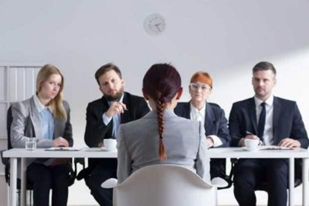 Работа есть, но не на бирже - в России снизилось число безработных