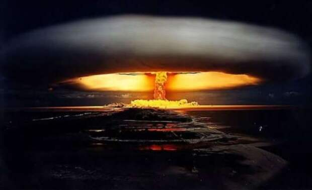 Самые мощные ядерные взрывы, заснятые на камеру (10 фото)