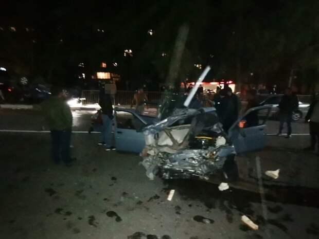 В Бахчисарае лоб в лоб столкнулись две легковушки. Есть пострадавшие