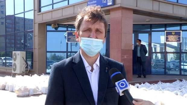 Шымкентским медикам раздали 140 продуктовых корзин