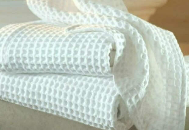Отбеливаем кухонные полотенца до хруста: добавили в кипяток растительное масло