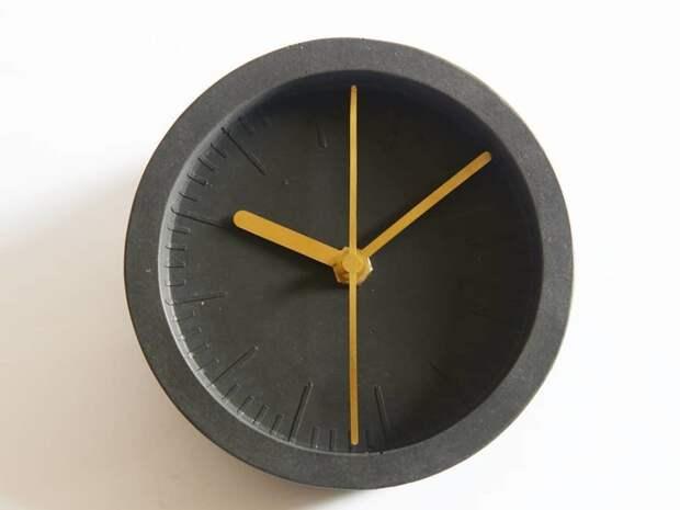 Ещё один вариант часов бетон, дизайнерские штучки, из бетона, крутые штуки, необычно, необычные вещи