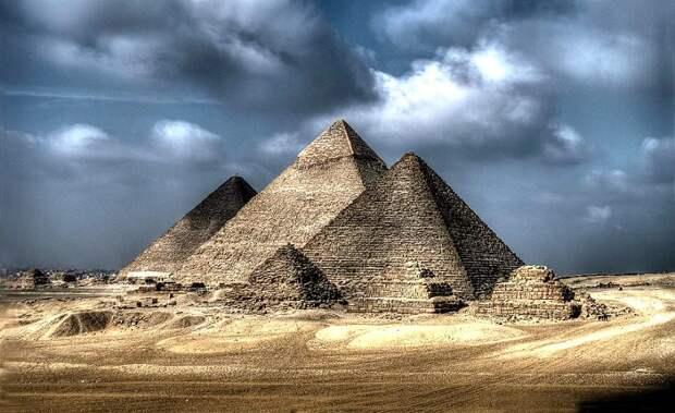 Законы физики помогли раскрыть секрет возведения Великой пирамиды Гизы