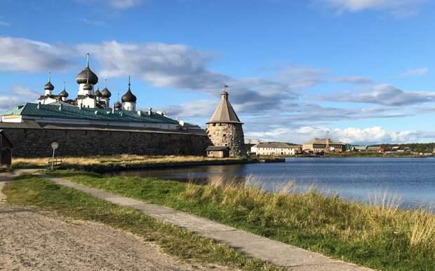 Храм на Бажова собирает паломников на Соловецкие острова