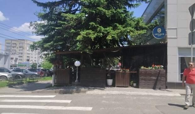 В мэрии Ставрополя объяснили захват тротуаров летними террасами и верандами