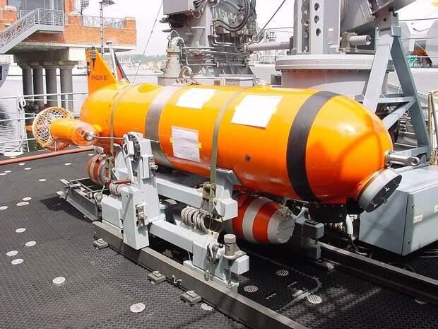 """Подводный беспилотный искатель и уничтожитель морских мин Pinguin B3 установленный на тральщике M-267 """"AYVALIK"""" ВМС Турции"""