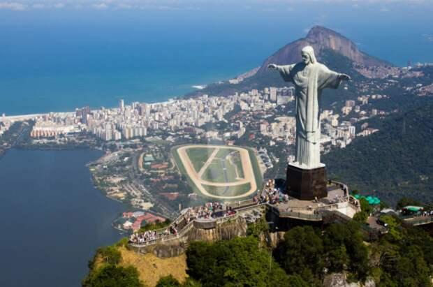 """РФПИ считает, что решение бразильского регулятора о """"Спутнике V"""" может быть политически мотивированным"""