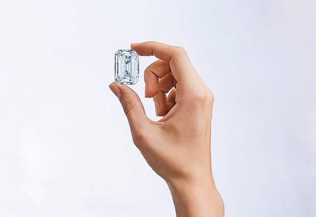 Крупнейший в истории российской огранки бриллиант продали за 12 миллионов долларов