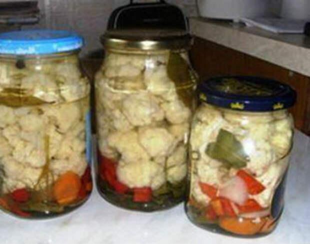 Как солить цветную капусту на зиму в банках, по-корейски, с уксусом, с овощами