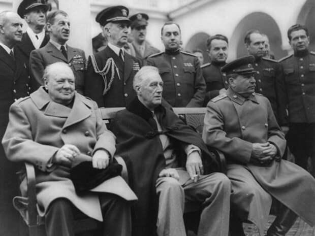 Злобин объяснил, как США стали проблемой для России в Европе после ошибки Сталина