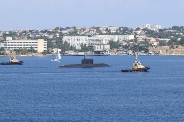 Севастопольскую бухту отдали военным