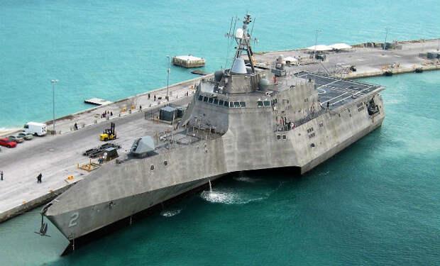 Новейший американский корабль стал военным провалом