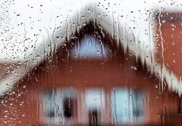 Синоптики предупредили о ливневых дождях по России