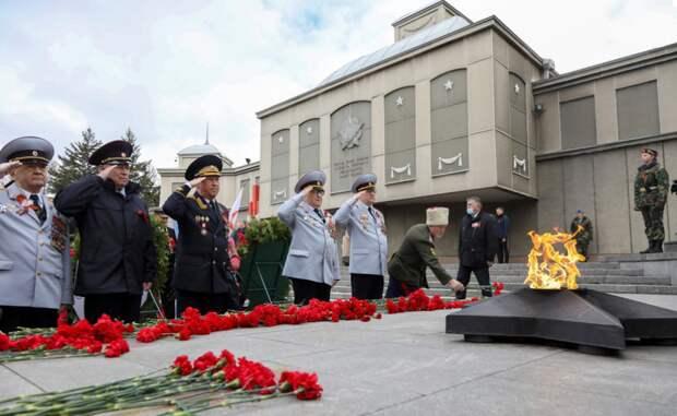 День Победы в Красноярске отметили торжественным шествием