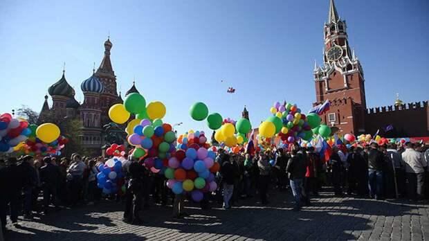 Длинные майские праздники не станут ежегодными в России