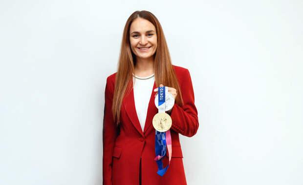 Как поменять танцы на саблю и победить: олимпийская чемпионка Софья Великая рассказала о своей жизни