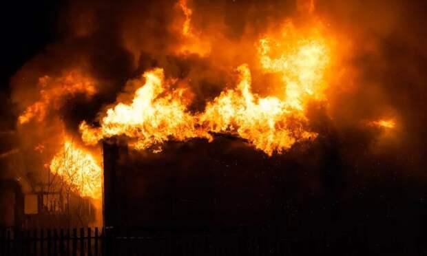ВКрасноборском районе задержали местного жителя, который поджёг дом пенсионерки, решив еёнапугать