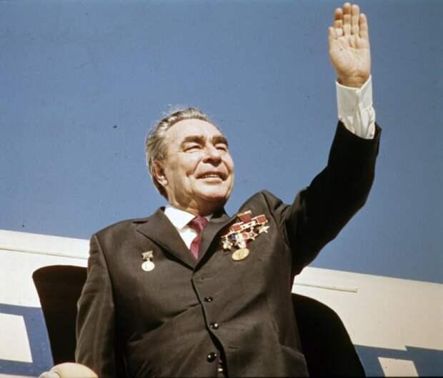 А мы ещё над Брежневым смеялись