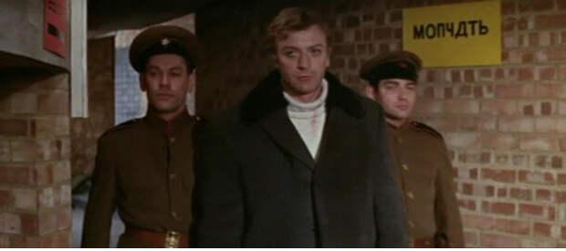 Моя твоя не понимай: 20 русских надписей в американских фильмах