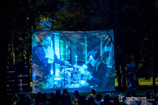 В Комсомольском саду открывается сезон «Кино под звездами»