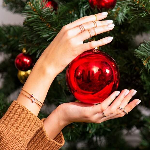 Как носить большие и массивные украшения зимой?